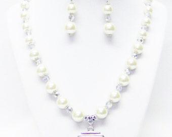 Ecru Glass Pearl w/Odd Shape Open Silver Pendant Necklace /Bracelet & Earrings Set