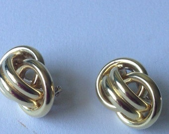 Vintage Gold Tone Modernist Clip on Earrings /1980-s