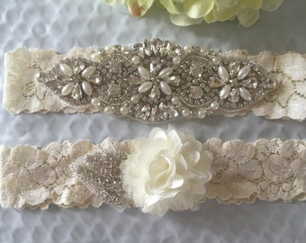 Wedding Garter Set - Ivory Garter Set on a  Lace Garter