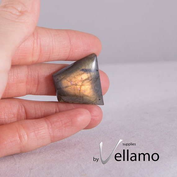 High Quality Natural Untreated Trapezoid Shape Labradorite