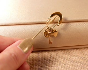 Gold Tone Stick Pin with a Key, a Lock and a Heart Charm - Vintage 1980s