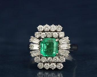 Spectacular late Art Deco Colombian emerald and diamond ring