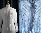 Antique white blouse, thin laces and small pleats, cotton veil, 1900's