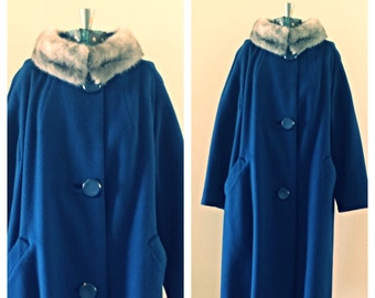 SALE Vintage Hickle co navy wool coat with gray fur collar / wool trench coat / winter coat / long wool coat / green dress coat / size small