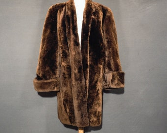Ladies mouton fur coat - cozy and dramatic