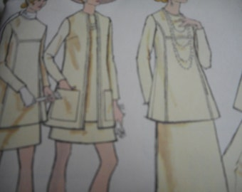 Vintage 1970's Vogue 7733 Tunic, Jacket, Skirt and Pants Sewing Pattern, Size 8 Bust 31 1/2