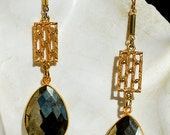 Faceted Pyrite Tear Drops Vintage Gold Tone Embossed Chain Link Earrings