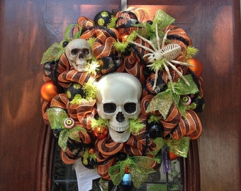 Skull That Lights Up Wreath
