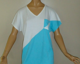 80s Vintage Short Sleeved Front Pocket Shirt Turquoise Blue Green and White