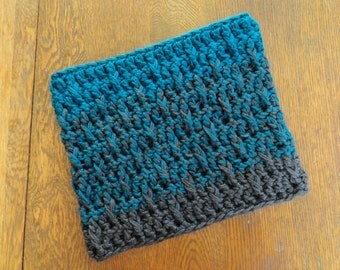 Crochet Ombre Cowl Teal Green Charcoal Gray Chunky Textured Design Neckwarmer
