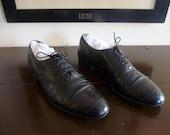EXOTIC Vintage Salvatore Ferragamo Black Alligator / Crocodile Printed Leather Cap Toe Balmorals Oxfords Size US 10 D.  Made in ITALY.
