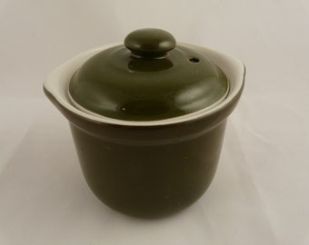 Hall China small crock with lid size 470-1/2 hunter green,