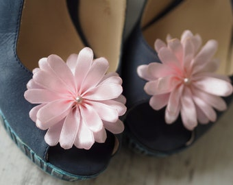 Party Shoe Accessory, Party Shoe Clip, Light Pink Shoe Clips, Pink Shoe Pins, Blush Shoe Flower, Satin Flower Shoe Pin