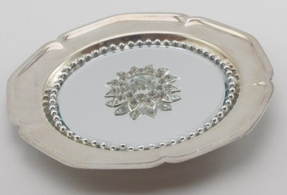 Round Scalloped Edged  Silverplated  Mirrored Tray/ Wall Decor