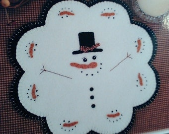 Wool Applique pattern - 'January Thaw' primitive snowman candle mat