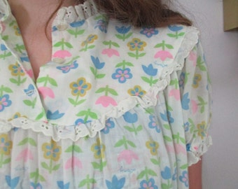 Vintage Flower Power night gown Lanz cover up shabby loungewear