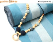25% off Eco-Friendly Nursing Juniper necklace with wooden ring pendant, Breastfeeding Teething necklace in blue and teal