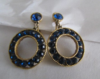 BLUE RHINESTONE EARRINGS vintage 1960's Clip gold tone circles Jd1-130