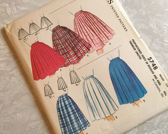 McCalls Pattern 5748 Proportioned Skirts Regular and Knee Twinkler Lengths Waist 26 Uncut 1960s