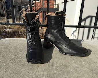 Lea Foscati of Italy Black Leather Granny Lace up Witchy Shoes 90s Boho Size 37 (or size 8m ladies US)