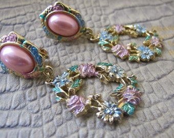 "Pastel Pretty PINK Costume Pearl & Enamel Drop Pendant Earrings. CLIP Backs. Designer Signed ""Two Sisters"" 1980's Vintage Costume Jewelry"