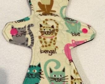 "11"" moderate cat print flannel cloth pad"