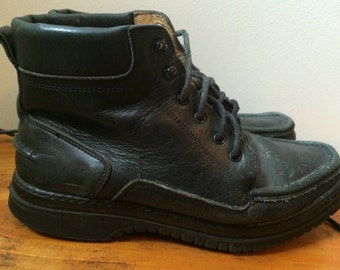 Black leather lace up Coach boots from the 1990s size 6