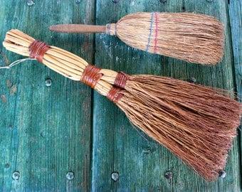 Traditional Italian hand-held wicker brushes