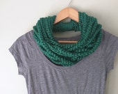 Emerald Chain Scarf . Short . Green Scarf Necklace . Chain Cowl . Emerald Green Scarf . Infinity Chain Scarf . Crochet Scarf . Rope Scarf