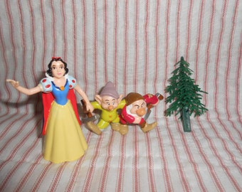 Snow White and Two Dwarfs Cake Topper-In Bag