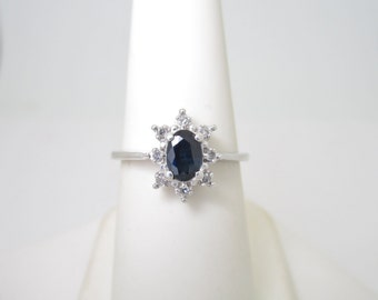 VINTAGE 10K Solid White Gold .71 ctw Natural DIAMOND & Blue SAPPHIRE Ring Size 7 R596