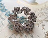 Feminine circle wedding bridal bridesmaids flower girls jewelry rhinestone crystals bridal dress brooch pin