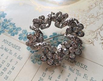 Sparkle twist round Swarovski rhinestone crystals wedding party bridal brooch pin