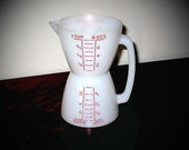 Vintage 50's Tupperware Wet Dry Measuring Cup with Spout & Handle, Excellent