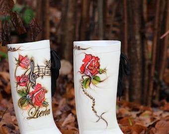 Exsclusive painted boots with your name by Laila Uiska