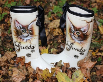 Exclusive warm painted boots with cat face and your name