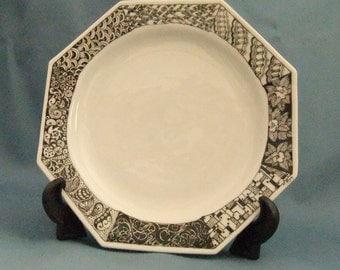 Handpainted porcelain octogon-shaped dish with Kaleidoart designs
