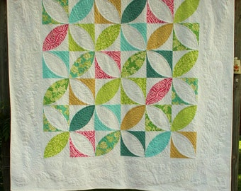 Giant Pumpkin Seeds quilt - printed and posted patterns - traditional curved pieceing