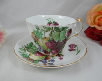 Vintage 1950s Regency English Bone China Teacup Fruit Center  English Teacup and Saucer - lovely tea cup