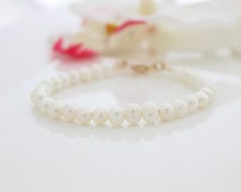 Pearls bracelet   pears beaded bracelet   bridal bracelet   Gift for her