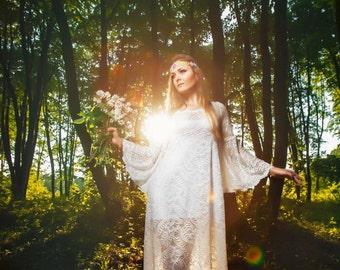 Boho Wedding Dress Beach Lace Wedding Dress Bell Sleeve Elegant Lace Wedding Dress Summer Hippie Wedding Dress Fairy Wedding Dress