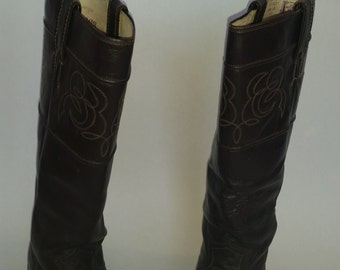Vintage Riding Boots 1980's Brown Leather Flat Boots by Justin Boots Size 7 1/2 B Made in USA 80's Equestrian Style Preppy Boots