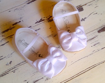 Girls Shoes Wedding Shoes Flower Girl Shoes Wedding Flats Wedding Shoes Flats Ivory Wedding Shoes Toddler Shoes Baby Shoes Baby Girl Shoes