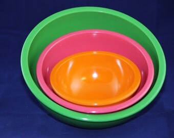Vintage Zak Stackable Plastic Melamie Bowls Set of 3