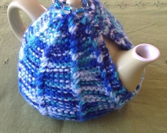 Tiny hand-knit tea cosy for one!