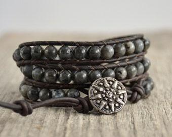 Rustic gray beaded bracelet. Bohemian chic labradorite jewelry
