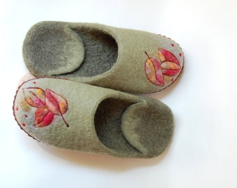 Leaves art slippers Women felted slippers Wool home shoes Mossy green slippers 8 US