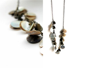 shell dangle necklace