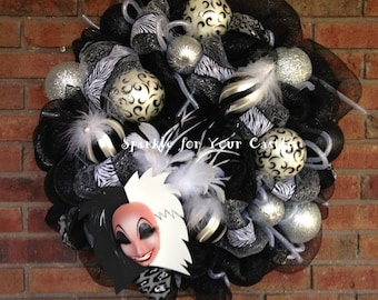 Cruella DeVille Wreath, Cruella Halloween Wreath, Disney Halloween Wreath, Disney Villain Wreath
