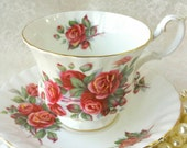 ROYAL ALBERT England Centennial RoseTea Cup and Saucer / Roses / Collectable